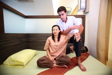 body to body massage hannover